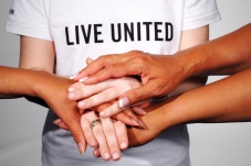 Live_United_Hands2_0.jpg